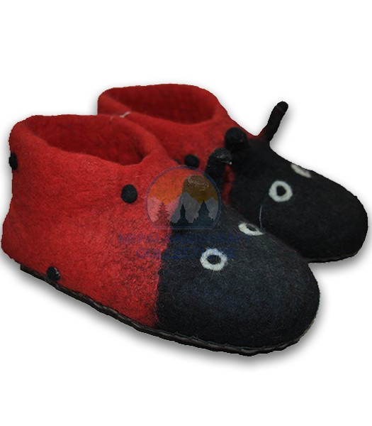 felt shoe black and red